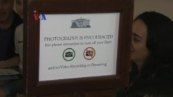 Gedung Putih dan Disneyland Melarang Tongsis Bagi Pengunjung
