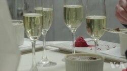 豪华酒店为情侣们提供共同烹饪的享受