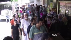 When Fighting Eases, Gazans Line Up at Bakeries