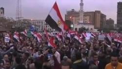 埃及抗议者在总统官邸外露营