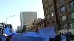 مشتریان خودرو در ایران مقابل وزارت صنعت تجمع کردند