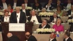 川普克林頓出席慈善晚宴 相互調侃