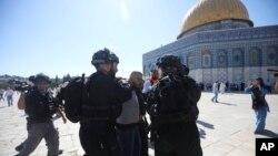 د الاقصی مسجد ځای، هم مسلمانانو ته او هم یهودیانو ته خاص مذهبي ارزښت لري