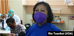 Pakar mikrobiologi klinis yang juga anggota tim riset FK Unpad, DR. dr. Sunaryati Sudigdoadi. (Foto: VOA/Rio Tuaiskal)
