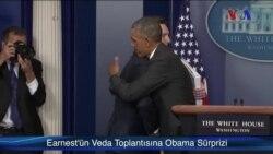 Earnest'ın Veda Toplantısına Obama Sürprizi