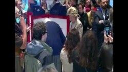 Candidata democrata Hillary Clinton vota em Chappaqua