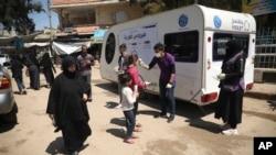 ادلب صوبے کے ایک قصبے میں ایک نجی تنظیم مقامی آبادی میں کرونا وائرس کو روکنے کے سلسلے میں سرگرم ہے