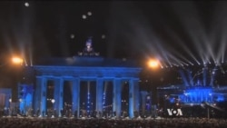 Huge Party as Berlin Celebrates 25 Years Since Fall of Wall
