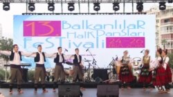 Izmir Turkey Hosts Street Festival With Balkan Dance Performances