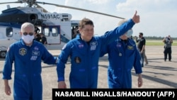 SpaceX : les deux astronautes américains de retour sur Terre