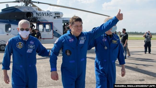 Các phi hành gia Hoa Kỳ tại Houston, Texas, ngày 2/8/2020.