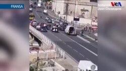 Marsilya'da Minibüs Durakta Bekleyenleri Hedef Aldı