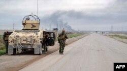 Được sự yểm trợ của các cuộc không kích của liên minh do Hoa Kỳ lãnh đạo, các lực lượng người Kurd đã đánh bại Nhà nước Hồi Giáo tại một số nơi thuộc Iraq lẫn Syria.