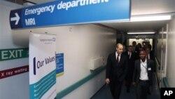 Принц Вільям відвідує лікарню
