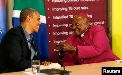 Perezida Barack Obama na Musenyeri Desmond Tutu, agendera ku kigo citiriwe Tutu