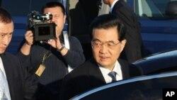 Chủ tịch Trung Quốc Hồ Cẩm Đào đến dự hội nghị thượng đỉnh APEC, ở Vladivostok, Nga, 6/9/2012