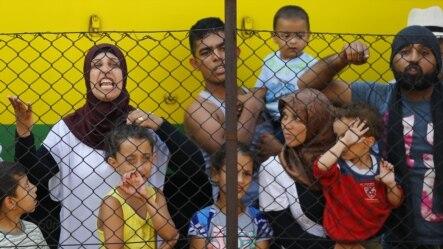 移民在匈牙利的火车站抗议(2015年9月4日)