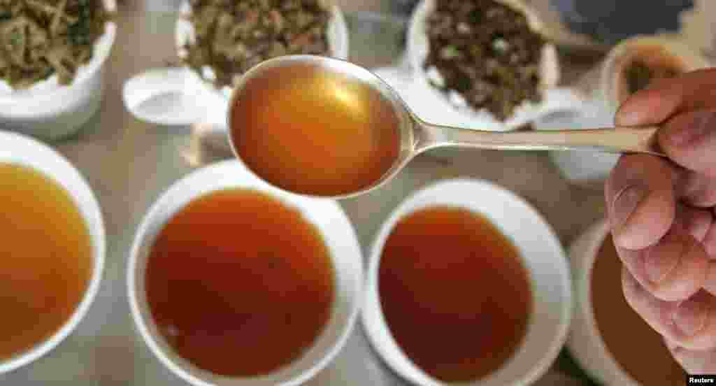 چائے کا شمار دنیا کے پسندیدہ ترین مشروب میں ہوتا ہے۔