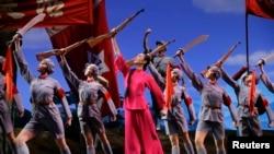 毁誉纷纷的芭蕾舞剧《红色娘子军》(24图)