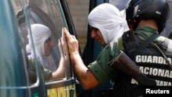Según la ONG Foro Penal, durante las protestas de febrero fueron detenidas 3.400 personas.