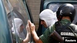 Los manifestantes llegaron hasta una sede de la Guardia Nacional para reclamar la detención de cuatro trabajadores.