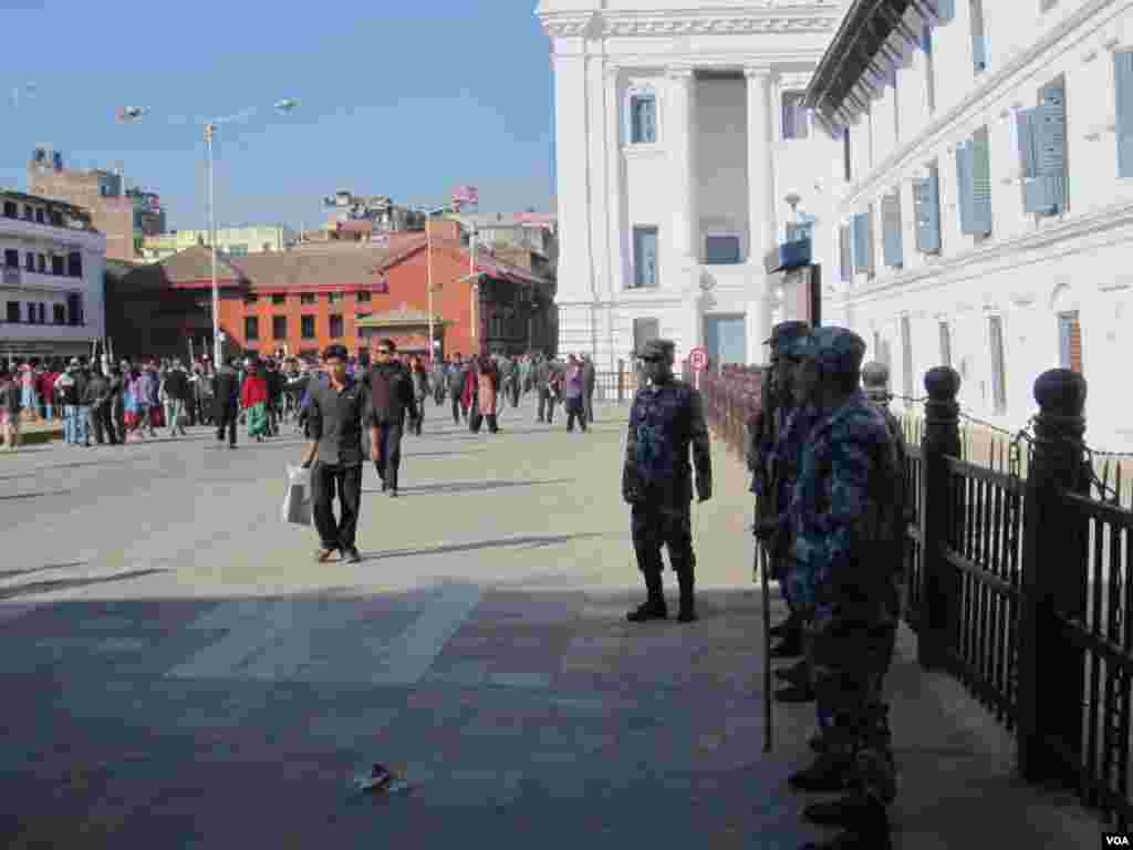 Security forces deployed for elections in Kathmandu, Nov. 19, 2013. (Aru Pande/VOA)