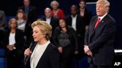Trump excedió las expectativas sobre su desempeño en el debate, pero los televidentes piensan que Clinton fue la ganadora.