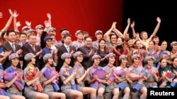 芭蕾舞剧《红色娘子军》今昔和争议:平壤演出(24图)