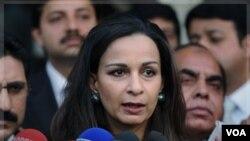 Pakistan desginó a la ex ministra de Información Sherry Rehman para la embajada en Washington, tras la renuncia del embajador Hussain Haqqani.