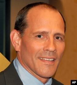 加州律师雷蒙德•鲍彻