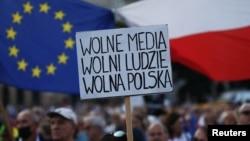 Protest u Krakowu, 10. august 2021. Jakub Wlodek/Agencja Gazeta/via
