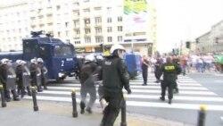 Столкновения: российские и польские фанаты