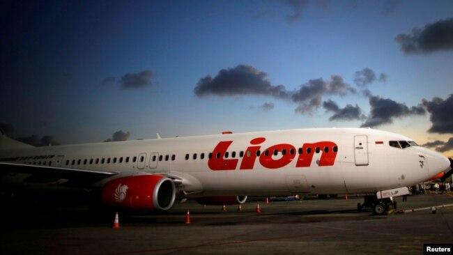 Pesawat Lion Air di bandara Ngurah Rai, Denpasar (foto: dok). Lion Air memilih tidak berkomentar soal kemungkinan masuknya maskapai asing untuk melayani rute domestik di Indonesia.