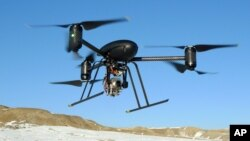 Este avión teledirigido ha sido usado para ayudar a buscar sospechosos y para identificar zonas calientes después de incendios.