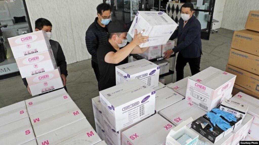 Chủ tiệm nail gốc Việt 'trả ơn' nước Mỹ, tặng hàng trăm nghìn đồ ...