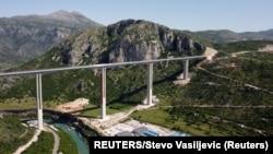 ARHIVA: Deo autoputa Bar-Boljare koji se finansira kreditom kineske banke Exim (Foto: REUTERS/Stevo Vasiljevic)