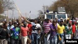 Les débrayages dans les mines sud-africaines durent depuis des mois