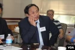中國民主黨主席王軍濤 (美國之音方冰拍攝)