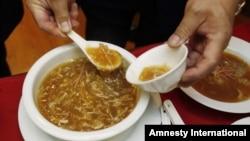 Aktivis lingkungan mendesak restoran-restoran di Hong Kong untuk berhenti menyediakan hidangan yang mengandung sirip ikan hiu (foto: ilustrasi).