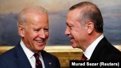 Başkan Yardımcısı Joe Biden'ın Cumhurbaşkanı Recep Tayyip Erdoğan'la 45 dakika sürmesi planlanan görüşme dört saate yakın sürdü
