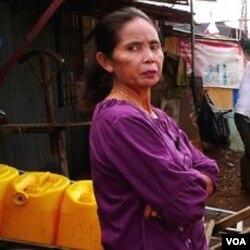 Para LSM menyayangkan permintaan DPR yang meminta gedung baru, saat rakyat masih kesulitan memenuhi kebutuhan dasar, seperti air bersih.