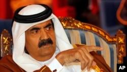 شیخ حمد از سال ۱۹۹۵ تا سال ۲۰۱۳ در قدرت بود. بعد جای خود را به پسرش داد.