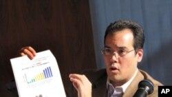沃克解說自由之家亞洲民主趨勢報告
