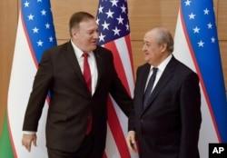 El secretario de Estado, Mike Pompeo, realiza una visita a Uzbekistán.