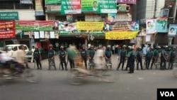 Para pendukung Partai Nasionalis Bangladesh pimpinan Khaleda Zia melakukan aksi mogok di Dhaka.