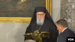 O Αρχιεπίσκοπος Αμερικής Δημήτριος