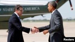 Obama se reunió el miércoles con el gobernador Rick Perry y otros funcionarios sobre la crisis migratoria en la frontera sur del país.