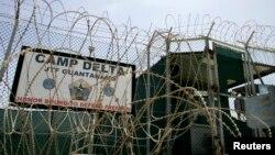 Cổng trước của Trại Delta tại nhà tù Guantanamo ở Cuba.