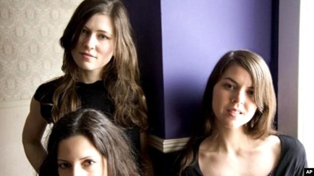 The Wailin' Jennys: Nicky Mehta, Ruth Moody and Heather Masse