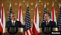 U.S. President Barack Obama and British Prime Minister David Cameron hold a news conference following their meeting at 10 Downing Street in London, Britain, April 22, 2016.